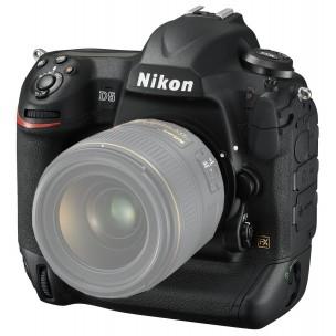 Nikon D5 (ohišje) + QXD 32 GB + čitalec